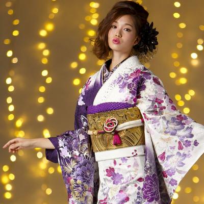 成人式はモードスタイルでプリンセスになる?滋賀県の成人式はびわ桜の振袖で決まり。